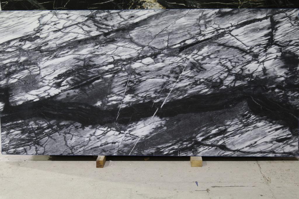 Huge Granite Stone : White soapstone leather pmp